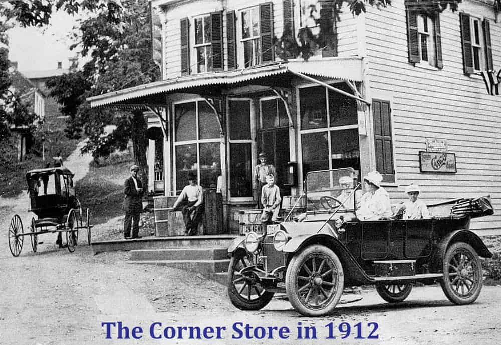 street-main-40183-corner-store-kiosk-store-with-car-1912-gallery